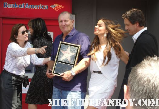 sophia vergara  and katey sagal with eric stonestreet and jessie tyler ferguson at modern family star Ed O'Neill walk of fame ceremony star on the hollywood walk of fame signed autograph rare promo married with children
