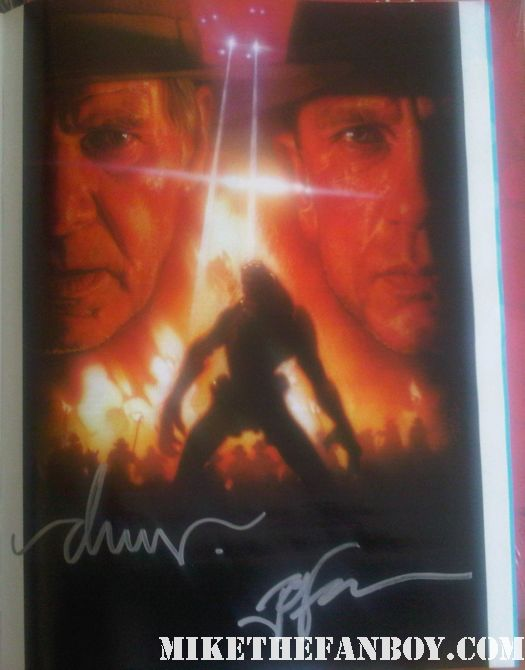 Jon Favreau, the director of Cowboys and Aliens and the hardest working man at the con this year, was out signing with Drew Struzan – movie poster genius.