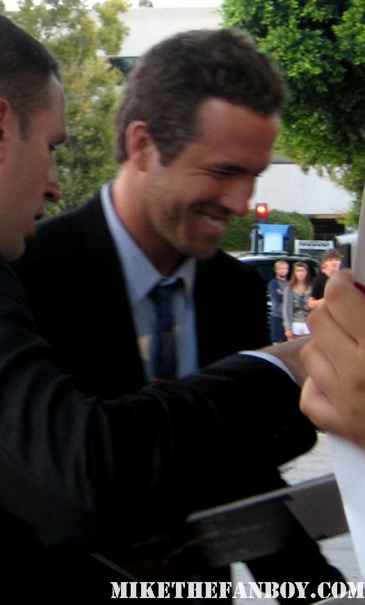 ryan reynolds from green lantern Signing autographs for fans at the change up world movie premiere van wilder blade trinity waiting smoking aces hot sexy photoshoot