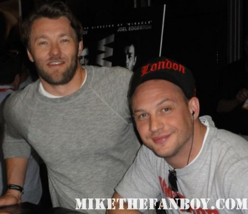 Joel Edgerton (Star Wars prequels, the upcoming Baz Luhrmann Great Gatsby) and the yummy Tom Hardy (Inception, RocknRolla and the upcoming Dark Knight Rises and Mad Max) sign autographs for fans at san diego comic con 2011 warrior