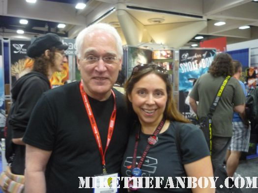 the novel strumpet from Mike The Fanboy with author leslie klinger at san diego comic con 2011 sdcc 2011 rare book lovers promo hot rare promo free books