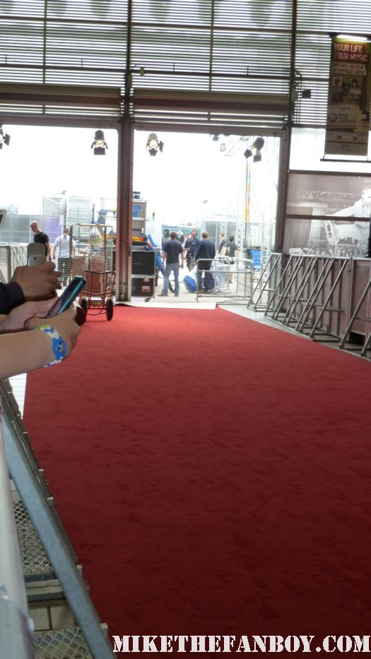 The Cowboys and Aliens UK movie premiere at empire magazines big screen event the fan pit barricade