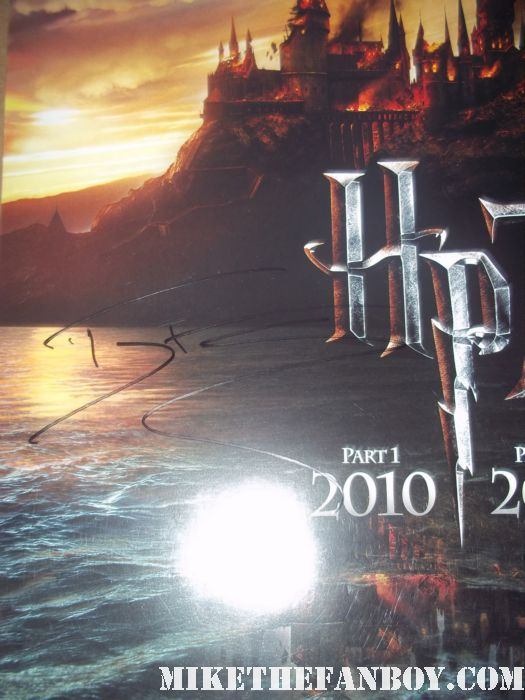 tom felton hand signed autograph harry potter and the deathly hallows promo mini poster one sheet signing autographs for fans at the rise of the planet of the apes premiere rare signed autograph hot sexy rare promo photo shoot damn sexy