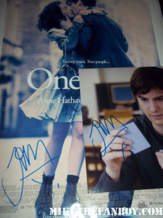 one day hand signed autograph jim sturgess mini poster photo hot sexy photo shoot 21 across the universe rare  shirtless sexy rare anne hathaway promo poster one day hot sexy fucking fine