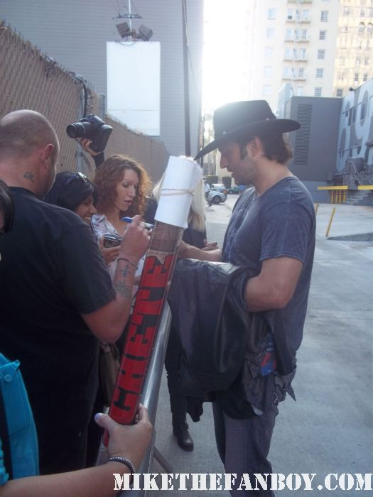 robert rodriguez stops to sign autographs for fans at a recent talk show taping to promote spy kids 4 robert rodriquez hot sexy rare promo buff hot sexy rare shirtless