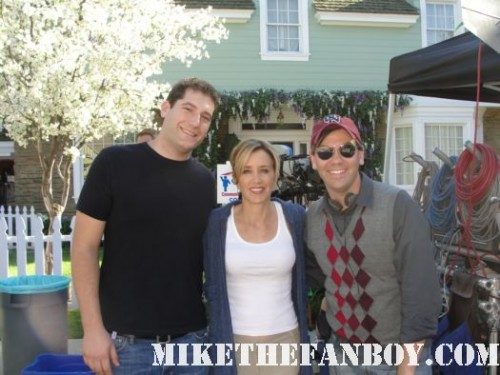 felicity huffman signing autographs on wisteria lane on the set of desperate housewives for mike the fanboy fan photo