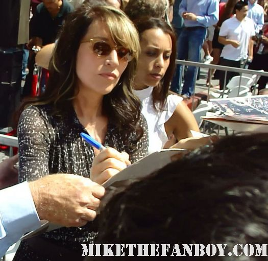 Katey Sagal signs autographs at sophia vergara  and katey sagal with eric stonestreet and jessie tyler ferguson at modern family star Ed O'Neill walk of fame ceremony star on the hollywood walk of fame signed autograph rare promo married with children