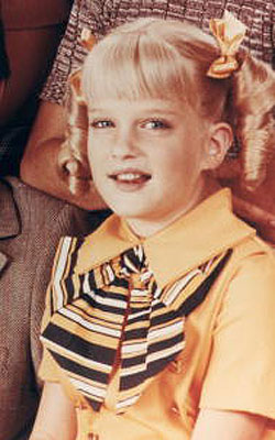 rare susan olsen cindy brady press photo from the brady bunch 1960's astroturf sitcom the youngest one in curls