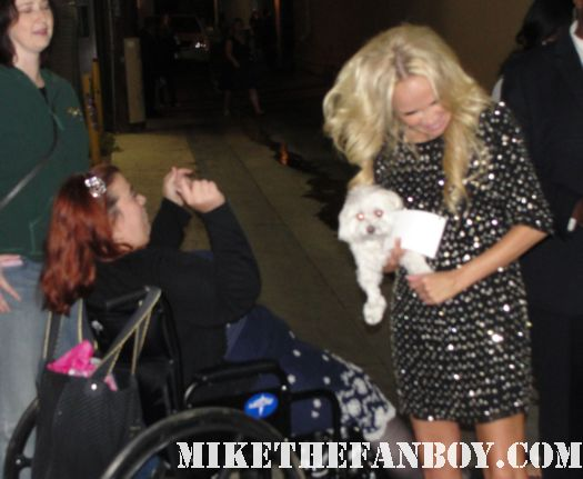 kristin chenoweth signing autographs for fans after a talk show taping hot rare promo good christian belles signed autographs