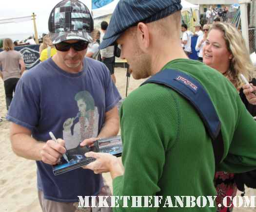 true blood star sam trammell signing autographs at the 6th annual surfrider benefit in malibu
