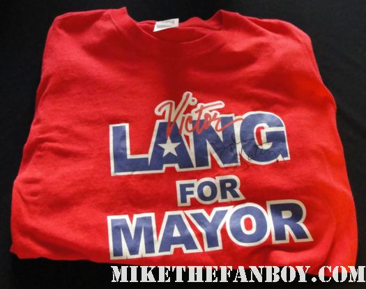 john slattery signed autograph victor lang for mayor prop t-shirt rare I am not a stalker lindsay mad men desperate housewives sex and the city