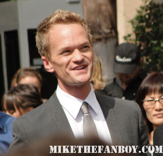 neil patrick harris arriving at Neil patrick harris walk of fame star ceremony signed autograph joss whedon jason segel rare signed autograph how i met your mother barney doogie howser md