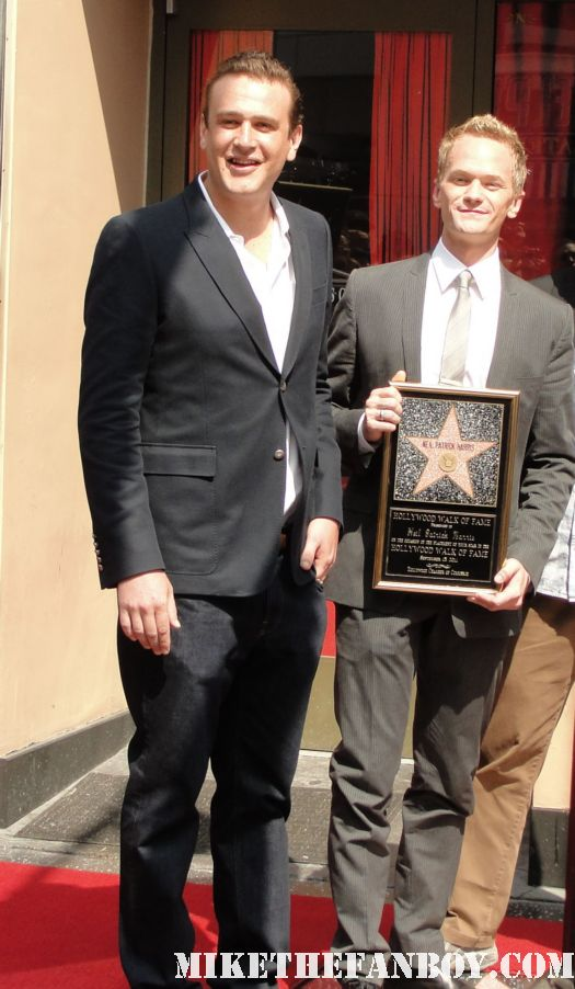 neil patrick harris joss whedon jason segel posing with Neil patrick harris walk of fame star ceremony signed autograph joss whedon jason segel rare signed autograph how i met your mother barney doogie howser md