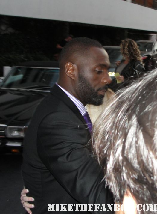 edris elba signing autographs at the showtime Emmy party on sunset blvd the big c hot sexy rare