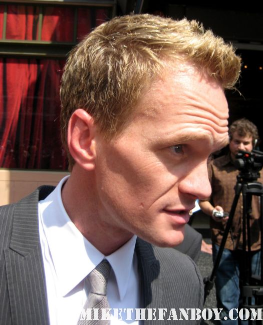 Neil patrick harris signing autographs at Neil Patrick Harris Star ceremony hollywood walk of fame with david burtka jason segel joss whedon buffy the vampire slayer how I met your mother barney doogie howser MD