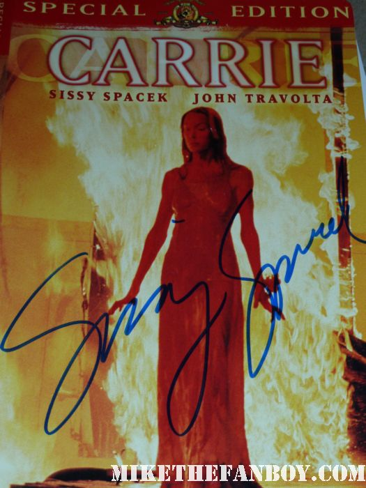 sissy spacek signing autographs for fans at her walk of fame star ceremony rare promo carrie hot sexy rare in the bedroom jfk sissy spacek signed autograph carrie dvd cover rare promo