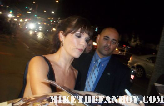 Katie Aselton igns autograph at the it's always sunny in philadelphia and the league premiere