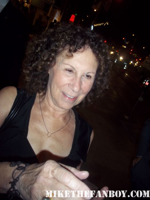 Rhea Pearlman from cheers signs autograph at the it's always sunny in philadelphia and the league premiere