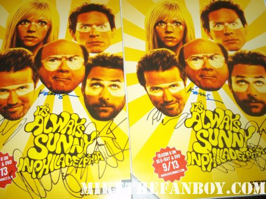 It's always sunny in philadelphia signed autograph rare sdcc comic con promo poster danny devito charlie day charlie day  rob McElhenney Danny DeVito Kaitlin Olson