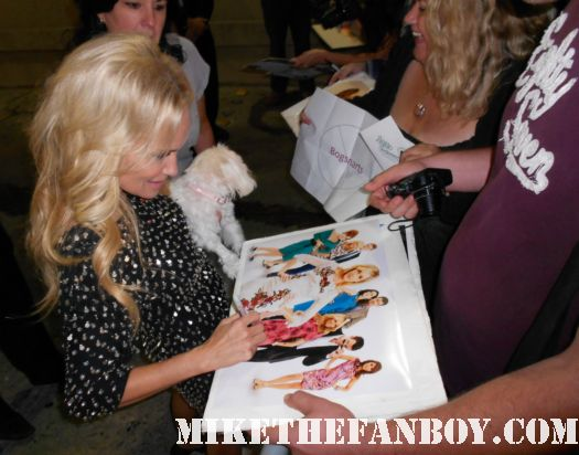 kristin chenoweth signing autographs for fans after a talk show taping hot rare promo good christian belles signed autographs promises promises wicked pushing daisies