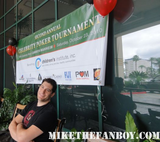 mike the fanboy haning out at the commerce casino waiting for sean asing and ricki lake at the celebrity poker tournament