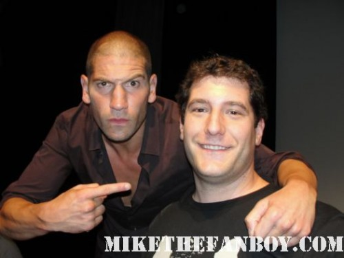 mike the fanboy with Jon Bernthal Shane Walsh at the walking dead season 2 premiere SAG screening