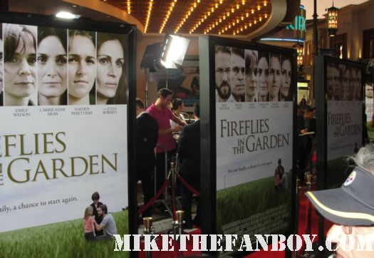 the fireflies in the garden movie premiere with julia roberts carrie anne moss dermot mulroney hayden Panettiere red carpet
