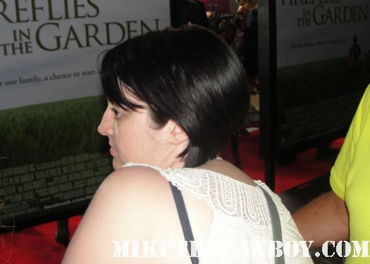 a nasty bitch from germany at the the fireflies in the garden movie premiere with julia roberts carrie anne moss dermot mulroney hayden Panettiere red carpet