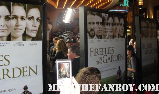 dermot mulroney arriving to the the fireflies in the garden movie premiere with julia roberts carrie anne moss dermot mulroney hayden Panettiere red carpet