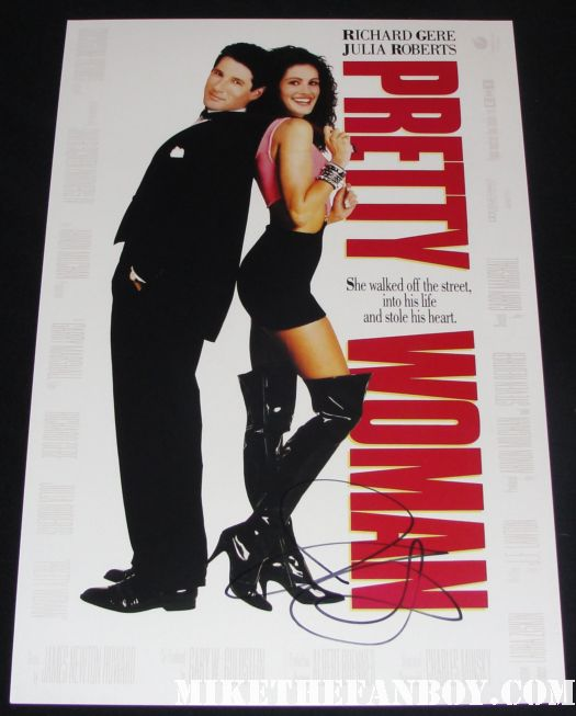 julia roberts hand signed autograph pretty woman rare promo mini poster steel magnolias one sheet movie poster promo rare dermot mulroney arriving  to the the fireflies in the garden movie premiere with julia roberts carrie anne moss dermot mulroney hayden Panettiere red carpet