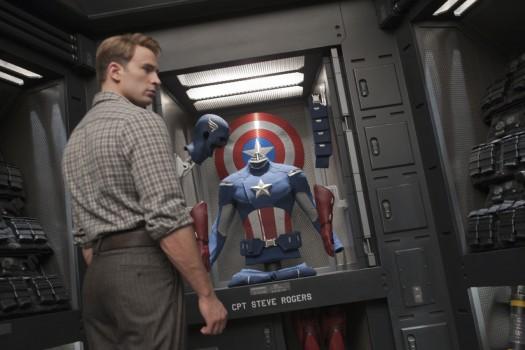 chris evans in disney marvels the avengers rare promo press still captain america rare hot sexy promo rare joss whedon