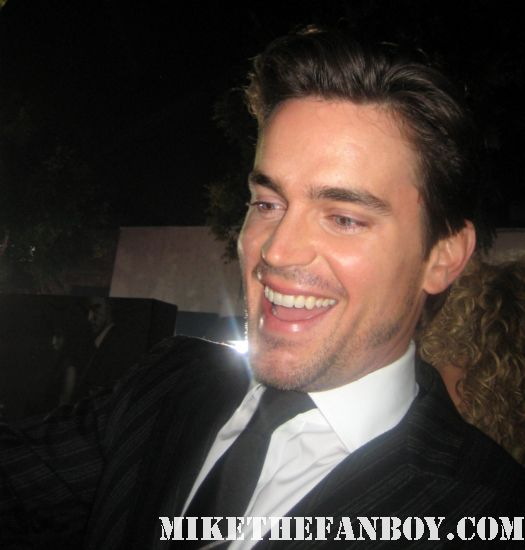 matt bomber from white collar signing autographs for fans at the in time prop car costume rare the in time world movie premiere with amanda seyfried justin timberlake matt bomer johnny galecki hot sexy rare promo sex fine abs