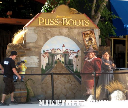 puss in boots world movie premiere with antonio banderas melanie griffith billy bob thornton salma hayek Zach Galifanakis