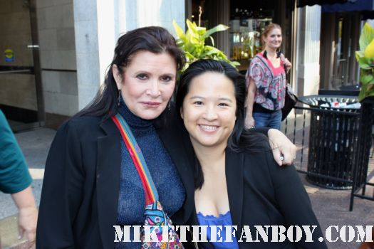 star wars star Ms. Carrie Fisher takes a fan photo with mike the fanboy (MTF) The Lovely Erica after a talk show taping in the windy city of chicago rare signed autograph rare promo
