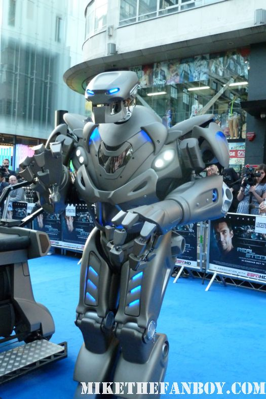 the red carpet at the uk premiere of Real steel starring hugh jackman sexy hot rare