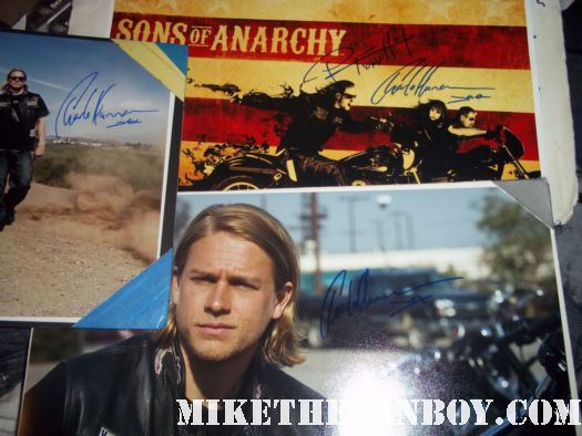 charlie hunnam signed autograph sons of anarchy rare promo photo still poster hot sexy rare poster promo comic con