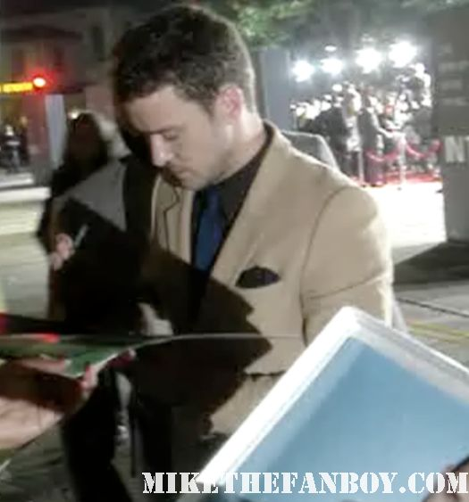 sexy justin timberlake signing autographs autographs for fans at the in time world movie premiere the crowd at the in time world movie premiere anushika stealing cbs pen the crowd at the in time world movie premiere in time car prop in time world movie premiere red carpet with justin timblerlake, amanda seyfried matt bomer johnny galecki hot sexy rare promo