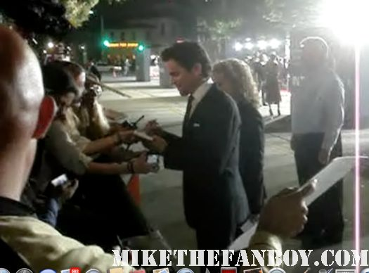 sexy Matt bomer signing autographs autographs for fans at the in time world movie premiere the crowd at the in time world movie premiere anushika stealing cbs pen the crowd at the in time world movie premiere in time car prop in time world movie premiere red carpet with justin timblerlake, amanda seyfried matt bomer johnny galecki hot sexy rare promo