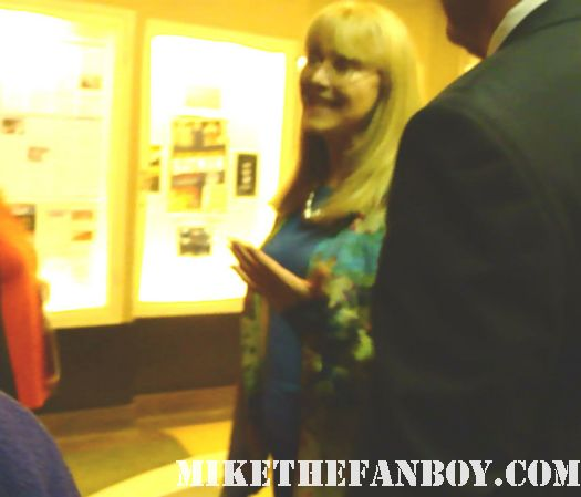 Troop beverly hills star shelley long leaves the brady bunch movie reunion q and a not signing autographs for fans
