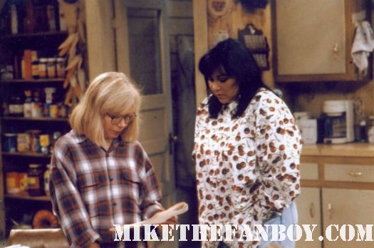terry the hollywood gal with roseanne barr on the set of roseanne tv show rare behind the scenes on the set of roseanne Roseanne tv show cast photo rare john goodman roseanne barr laurie metcalf dan fishman sarah gilbert