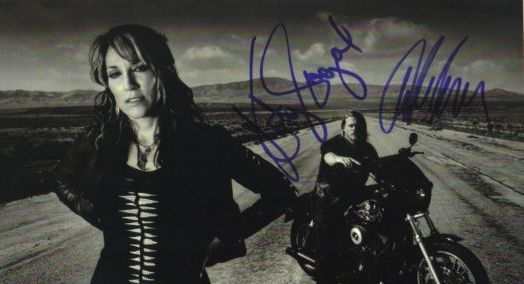 sons of anarchy hand signed autograph photo katey sagal charlie hunnam rare promo hot sexy rare bikers jaxx socrmo