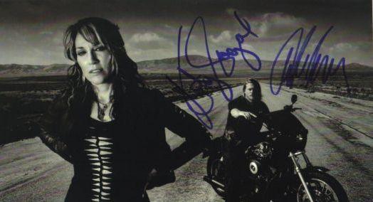 sons of anarchy hand signed autograph photo katey sagal charlie hunnam rare promo hot sexy rare bikers jaxx socrmo