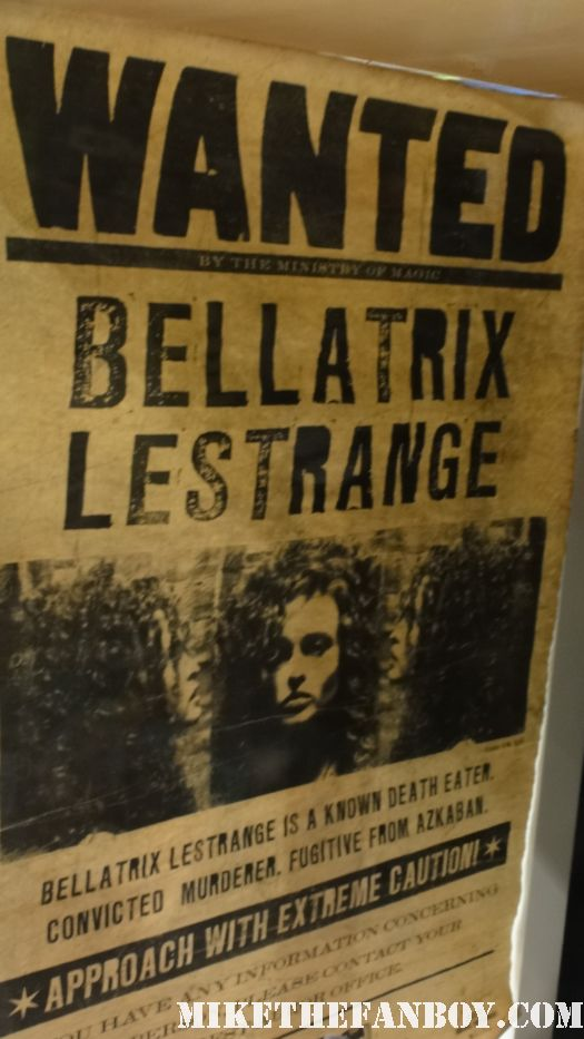 harry potter prop and costume display rare promo Bellatrix-wanted-poster