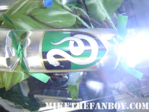 harry potter prop and costume display rare promo rare slytherin cracker harry potter and the deathly hallows