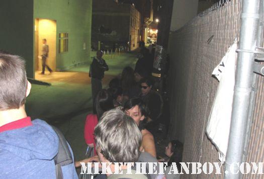 the line of fans waiting to see robert pattinson twilight edward cullen hot sexy fandom twilight rare promo...