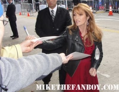 jane seymour signing autographs at the jack and jill world movie premire adam sandler arriving to the jack and jill world movie premiere the red carpet at the adam sandler supposed comedy jack and jill world movie premiere rare hot sexy david spade katie holmes promo