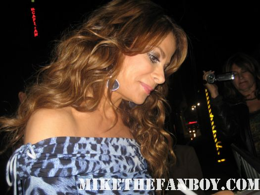 Meeting Paula Abdul signed autograph fans paula abdul meets fans at a talk show taping for x factor rare promo hot sexy mc skat kat