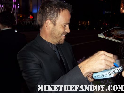 stephen dorff sexy hot rare signing autographs at the immortals world movie premiere The Immortals World Movie Premiere red carpet! With Henry Cavill! Luke Evans! Stephen Dorff! Kellan Lutz! Mickey Rourke! Cory Servier! Isabel Lucas! Autographs! Photos and More!