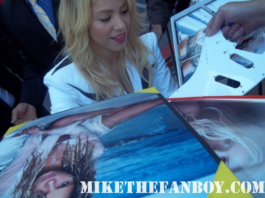 shakira signing autographs at her walk of fame star ceremony on hollywood blvd. shakira's walk of fame star ceremony on hollywood blvd rare hot sexy shakira promo rare signed autograph