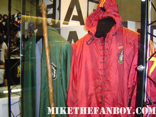 harry potter prop and costume display rare promo rare daily prophet newspaper harry potter and the deathly hallows daniel radcliffe quiddich robes